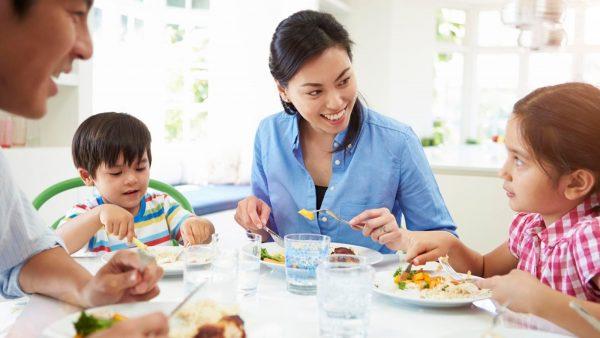 Thói quen ăn uống khoa học, đầy đủ dưỡng chất sẽ giúp bạn điều trị đau dạ dày hiệu quả