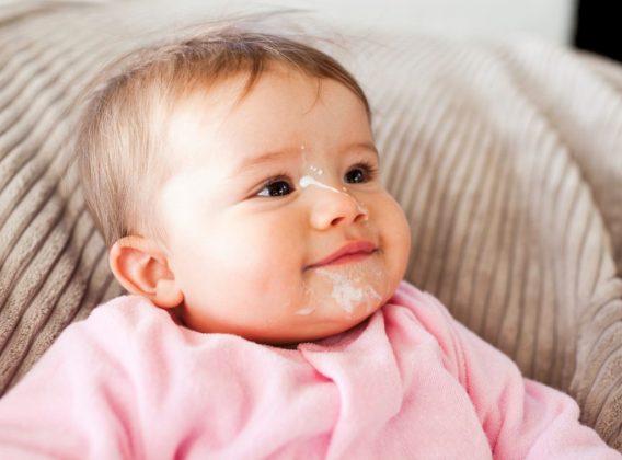 Tìm hiểu hiện tượng trào ngược dạ dày ở trẻ sơ sinh